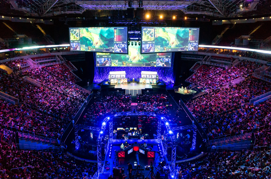 What Made eSports Events Phenomenal_COVER
